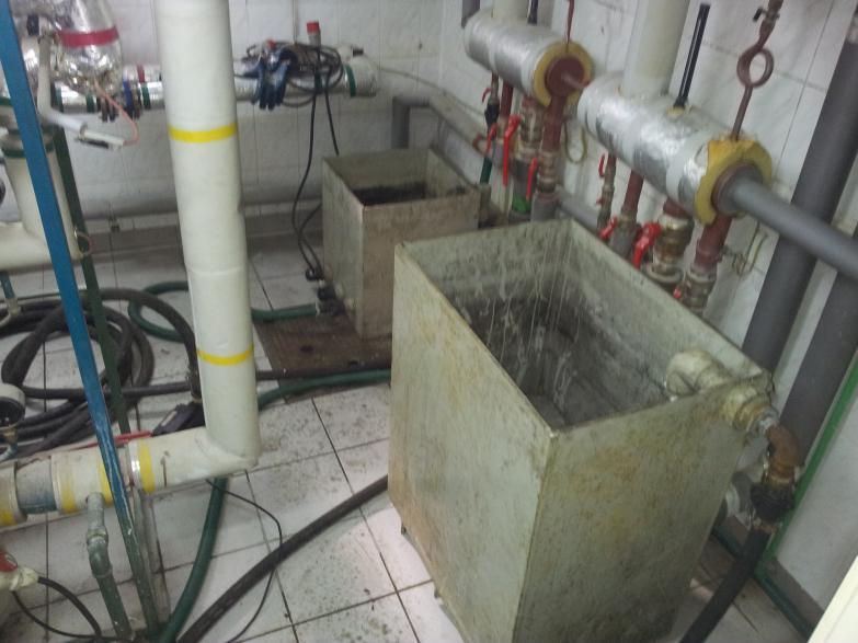 Jednoczesne czyszczenie instalacji cwu i co w budynku banku