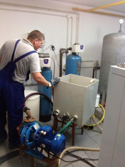 Czyszczenie instalacji wody zimnej i ciepłej